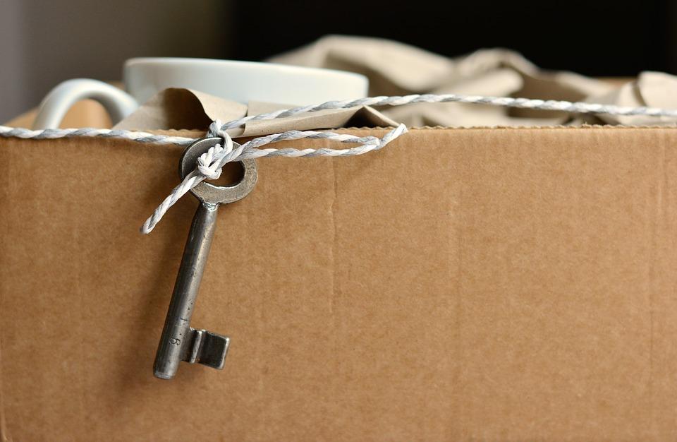 przeprowadzka - klucz od nowego mieszkania