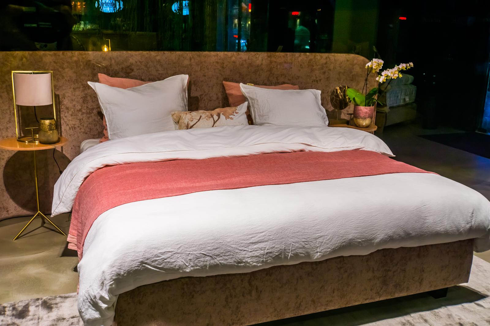 łóżko dwuosobowe